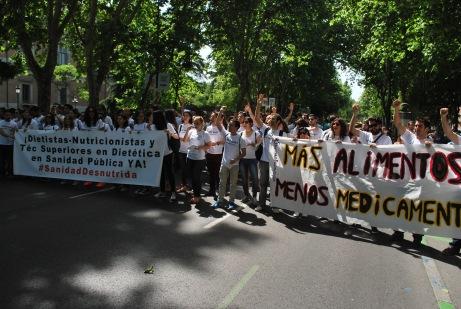 Los primero cánticos por el fin de #SanidadDesnutrida vía Óscar Picazo
